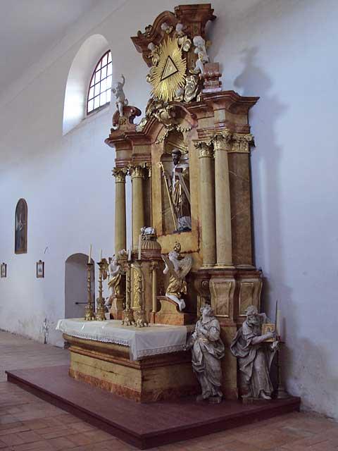 Černvír, mušovský oltář