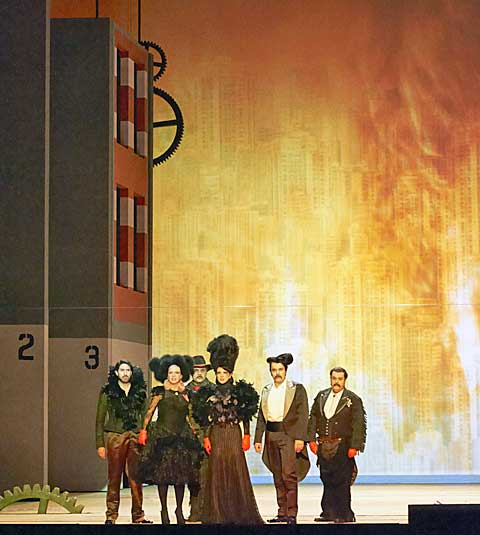 Mahagonny, finále. © Wiener Staatsoper / Michael Pöhn