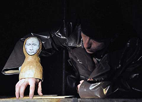 Putin lyžuje, foto www.divadlolisen.cz