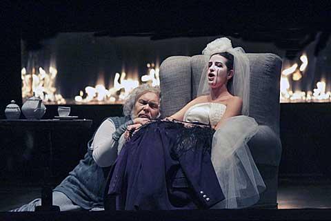 Peter Mikuláš (David Scrooge), Miriam Garajová (Mary), foto Ctibor Bachratý