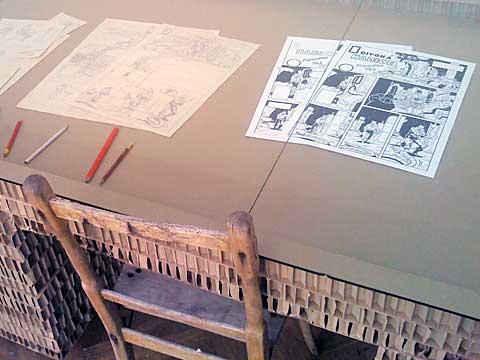 Pracovní stůl tvůrce komiksu, foto Boris Klepal