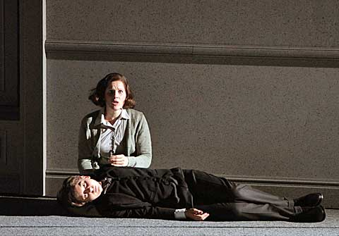 Sally Matthews (The Governess) aTeddy Favre-Gilly (Miles), foto Wilfried Hösl