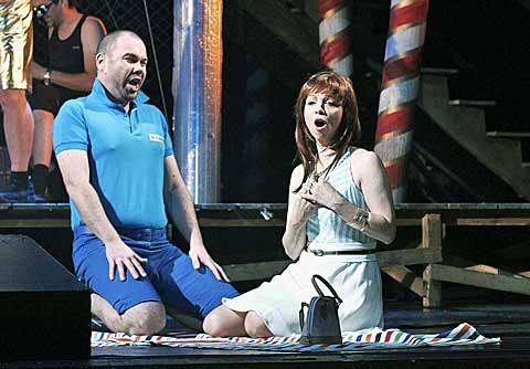 Václav Sibera (Fred) aMaria Kobielska (Minnie), foto Hana Smejkalová