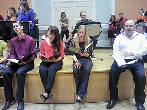 Vox Iuvenalis, lidové písně sharmonikou, foto Boris Klepal