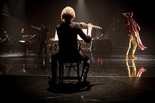 Orchestr Berg & Spitfire Company, Divadlo Ponec. Foto Vojta Brtnický