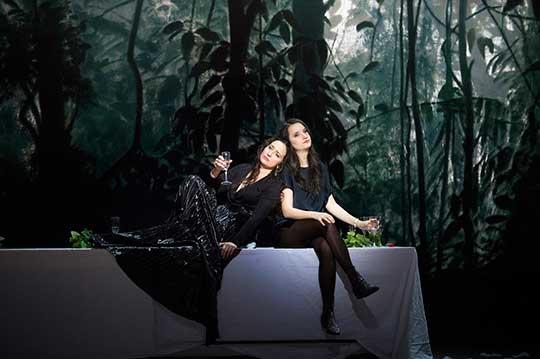 Anna Prohaska a Marie-Claude Chappuis, foto © Monika Rittershaus